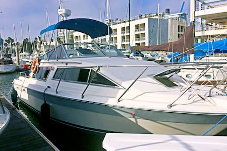 30 ft Luxury Cruiser for your Comfort on water - Long Beach - Boat