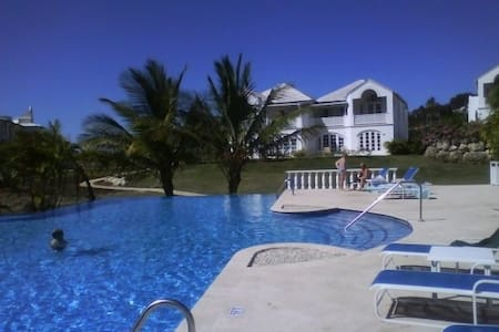 Royal Villa in beautiful Barbados - Casa de camp