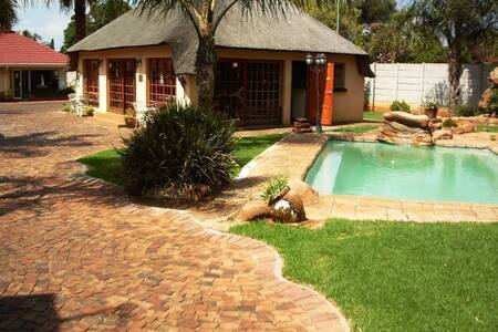 Ekurhuleni Lodge Clean & Peaceful