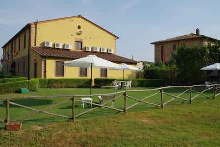 Noci Studio in Tuscany hills - Leilighet
