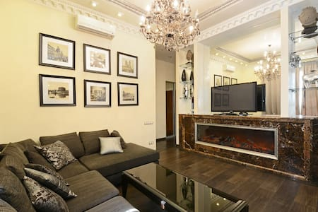 MAY BE THE BEST 1BEDROOM APARTMENT - Kiev - Appartamento