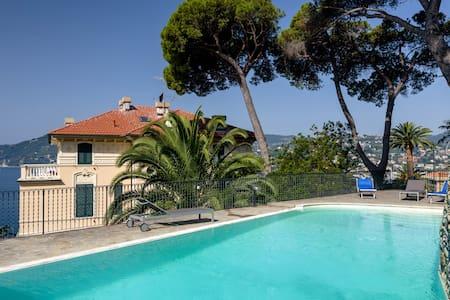 Villa Edoardo flat 5 with pool - Zoagli - Huoneisto
