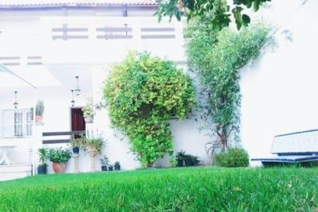 deux chambre dans une grande villa - Tunis - Villa