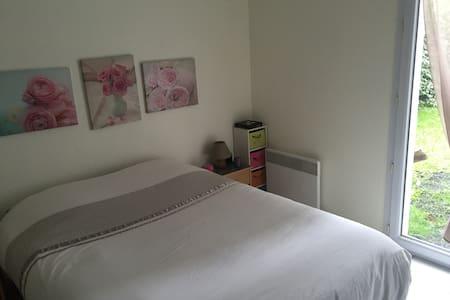 Chambre + sdb + wc privé - Maison
