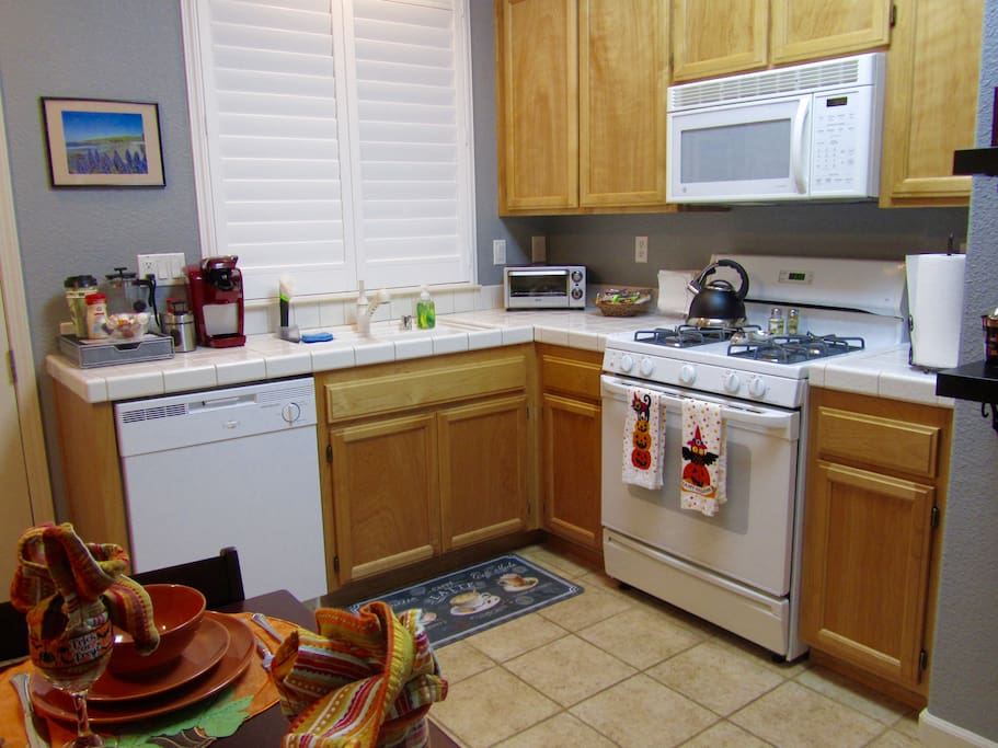 Fully outfitted kitchen - oven/stove, microwave, fridge, dishwasher...everything you need to feel right at home.