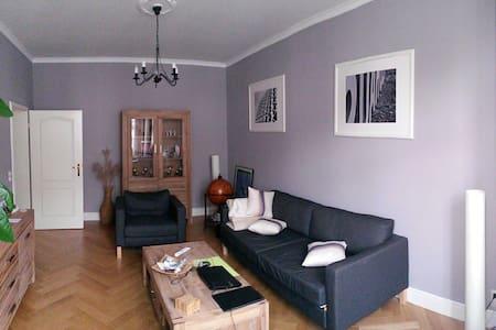Kaßberger Jugendstilwohnung - Apartment