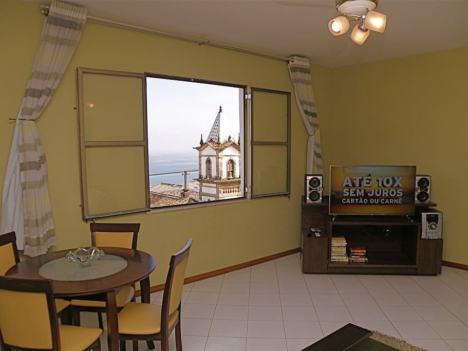 Living Room w/ HD TV