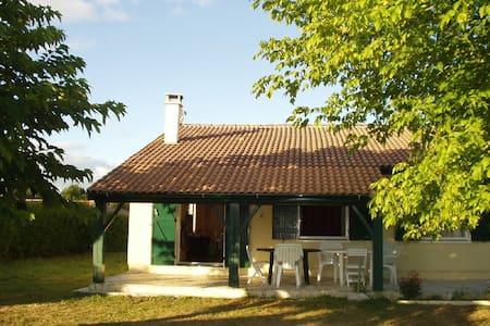 Chambre Location 33480 Ste Hélène - Sainte-Hélène - Villa