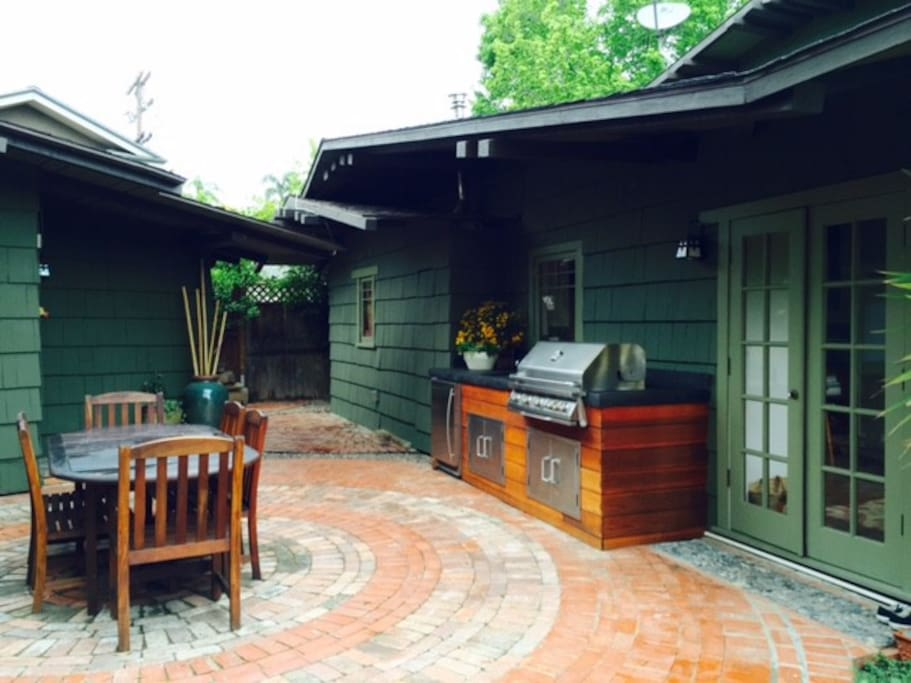 Please make use of our outdoor kitchen and dining area. It is a wonderful way to take advantage of our year-around perfect weather.