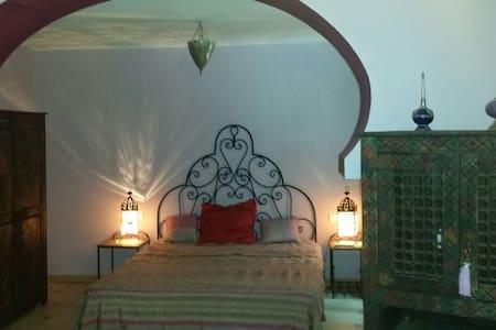 "Belle chambre "" la marocaine "" Mas"