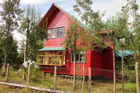 Beautiful wood cabin in Frutillar - Hytte