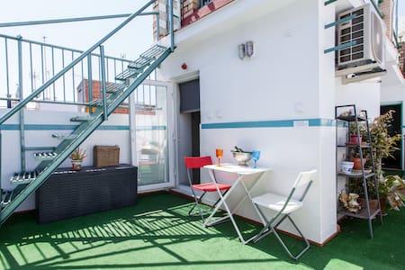 Estudio con terraza Eb