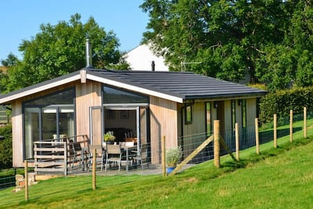 CARROCK LODGE, Paddigill Farm, Caldbeck, near Keswick - House