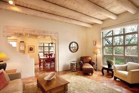 Gorgeous home - 25% Off Summer Sale - Book Now - Santa Fe - House