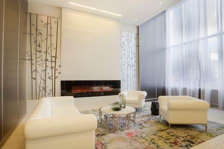 Luxury -1 Bed/Bath Condo -Toronto - Wohnung