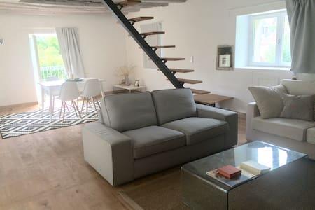 Charmante maison rénovée à 5 minutes de Rocamadour - House