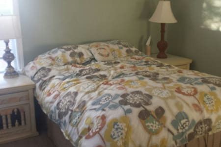 "Bed & Breakfast in Hill Country ""B"" - Bee Cave - Inap sarapan"