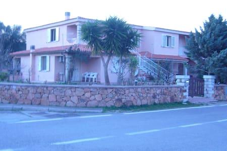 VILLINO A 500 METRI DAL MARE - Appartement