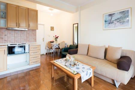 Peramos Apartments - Huoneisto