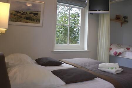 Luxe familie kamer met bedstee - Bed & Breakfast