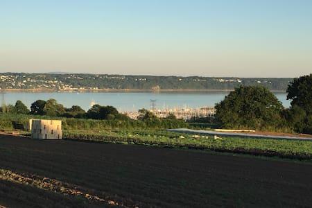 Brest Maison vue panoramique sur la mer - Hus