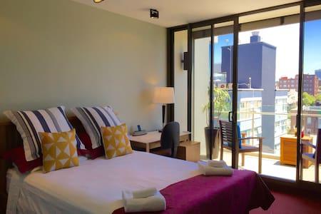 Stunning Views - Top floor apartm - Darlinghurst