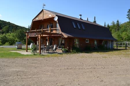 Chalet privé Ranch Mont-Tremblant - Chatka w górach