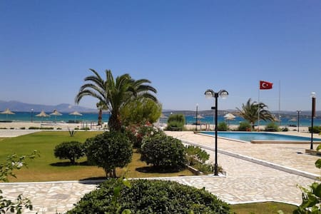 Flat by the Sea in Cesme Ilica