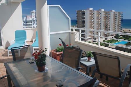 Penthouse apartment, very bright, near sea + WIFI - Condominium