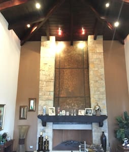 Spanish Colonial Estate Home - Guatemala-Stadt