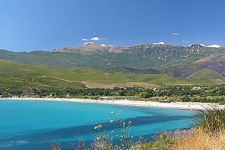 Cap Corse, entre mer et montagne - Pietracorbara