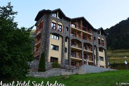 Apartamento con 6 camas compartidas - Daire