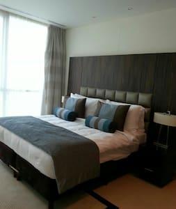 Double bed room in 5* Hotel in JLT