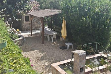 Mazet en pierre dans les Cevennes - Haus