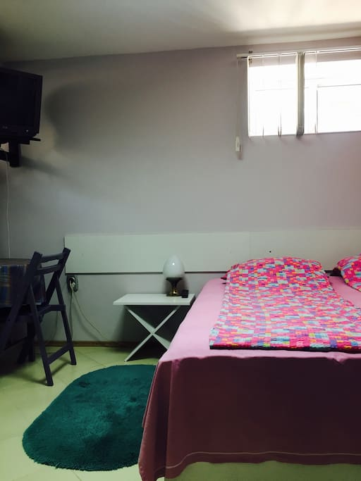 Small ground floor flat-very center