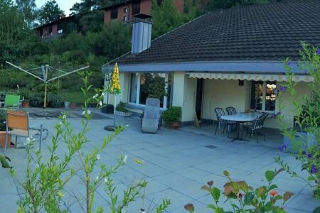 Gemütliche Unterkunft in Einfamilienhaus - Rumah