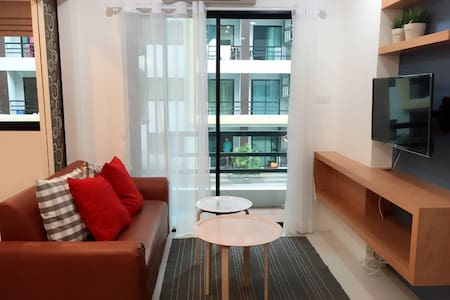 Boutique square condo with Balcony - 公寓