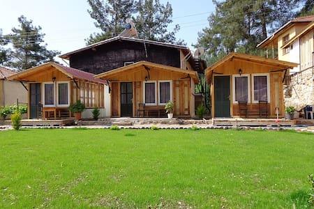 Tahtalı dağı eteklerinde Beycik köy - Beycik - Cabana