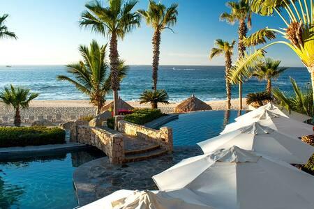 Serene beachfront resort  Los Cabos