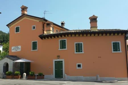 Accogliente appartamento in collina - Caprino Veronese