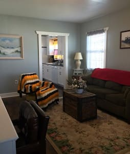 Keeley Cottage - Ritzville - Bed & Breakfast