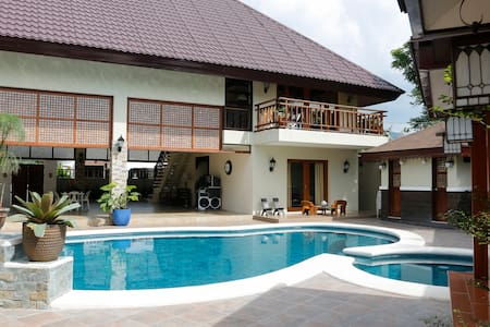 Balinese Villa with a stunning pool - Villa