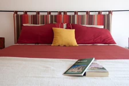 The Sunny Bed & Breakfast Girasole