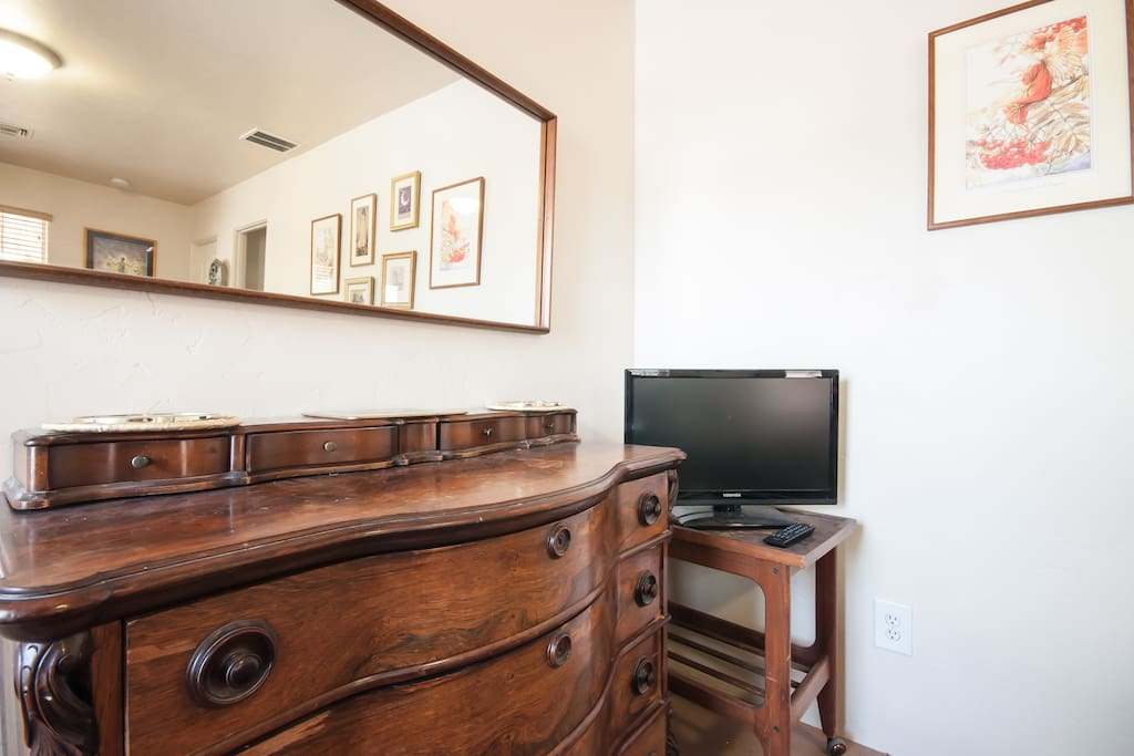 Great Location Private Entrance, ';