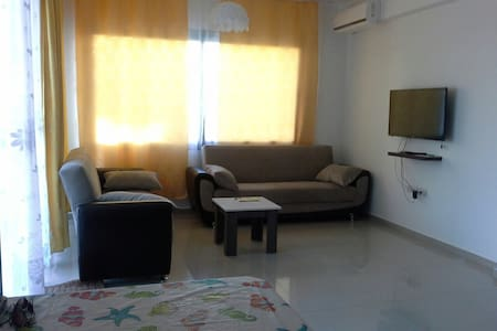1 bedroom + studio 5 mins walk from the sea - Apartmen
