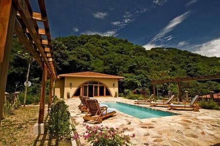 Villa Diecinueve: 111462