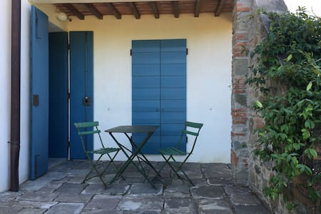 Studio flat in farmhouse 27km from Florence - Apartamento