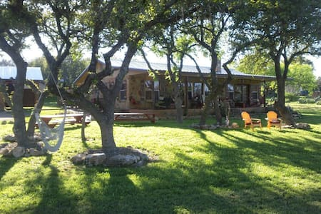 Jill's Bistro & Bunkhouse in the Hill Country - Szoba reggelivel