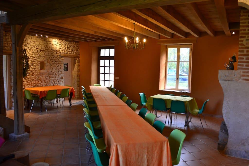 La grande salle à manger (30 places)