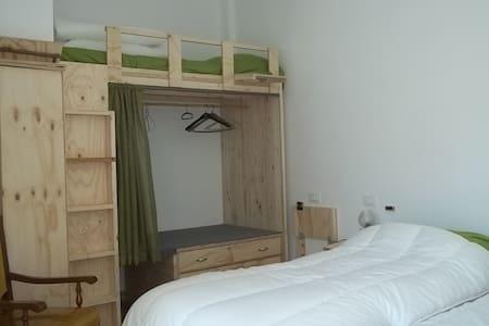 Camera tripla bio-agriturismo - Villa d'Aiano (BO) - Bed & Breakfast
